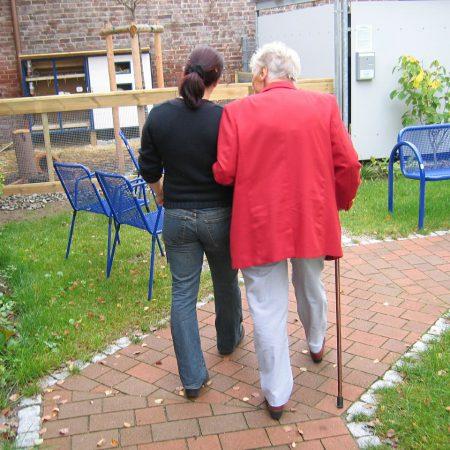 Vanhuksen itsemääräämisoikeus ja työntekijä